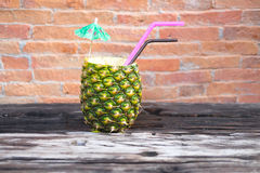 Smoothie d'ananas en ananas frais Images stock
