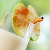 Smoothie de Apple fotografia de stock royalty free