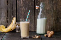 Smoothie de banane de lait Photographie stock libre de droits