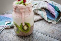 smoothie de Banane-fraise avec le kiwi Photo libre de droits