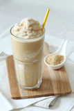 Smoothie de café et de caramel Photographie stock