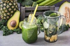 Smoothie de dieta del detox verde Fotografía de archivo