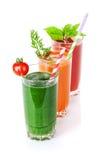 Smoothie de légume frais Tomate, concombre, carotte Photo stock