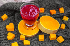 Smoothie de la baya de la vitamina para la vitalidad y el tono imagen de archivo