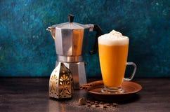 Smoothie de latte de potiron images libres de droits
