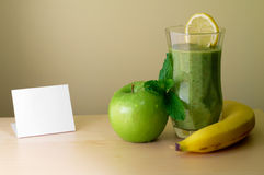 Smoothie de vert de banane-figue Photographie stock