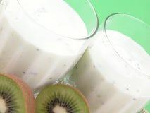 Smoothie del kiwi imagenes de archivo