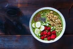 Smoothie del kiwi del desayuno imagenes de archivo