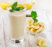 Smoothie del plátano Imagen de archivo libre de regalías