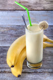 Smoothie del plátano Fotos de archivo libres de regalías