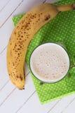 Smoothie del plátano Fotografía de archivo libre de regalías