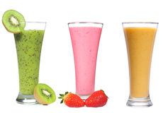 Smoothie differente con la frutta e le bacche Immagine Stock