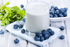 Smoothie with fresh blueberries Royalty Free Stock Photo