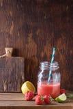Smoothie rojo Imagen de archivo libre de regalías