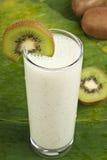 smoothie shake молока кивиа освежая Стоковое фото RF