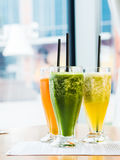 smoothie from spinach, carrots and pears Royalty Free Stock Photos