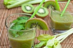 Smoothie verde Imagem de Stock Royalty Free