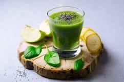 Smoothie verde, bebida sana Fotografía de archivo libre de regalías