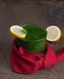 Smoothie verde con el limón Fotografía de archivo