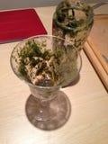 Smoothie verde de cristal vacío Imágenes de archivo libres de regalías