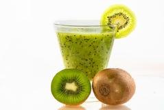 Smoothie verde fresco sano del kiwi Fotos de archivo libres de regalías