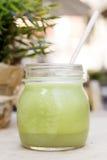 Smoothie verde Superfood della disintossicazione immagini stock