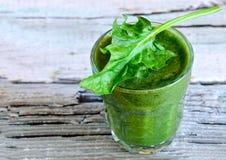 Smoothie vert d'épinards photos stock