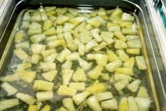 Smoothiefrukt Uppsättningen av fruktefterrätten för gör en smoothie Fruktsafter för nya frukter på marknaden Royaltyfri Foto