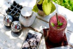 Smoothies ягод на Nook Бали Стоковые Фото