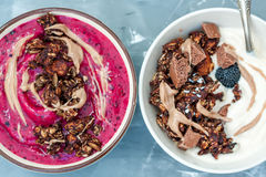 Smoothies bowls with chocolate muesli