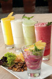 Smoothies de fruit Photo libre de droits