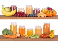 Smoothies de fruit et potages aux légumes pour un bébé Photographie stock libre de droits