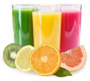 Smoothies de las frutas de la fruta del smoothie del jugo aislados en blanco Imagen de archivo libre de regalías