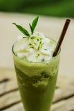 Smoothies del té verde Imagenes de archivo