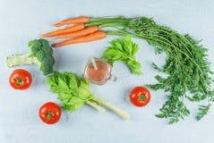 Smoothies en ingrediënten Stock Afbeeldingen