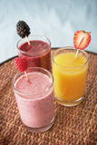 Smoothies et jus Photo libre de droits