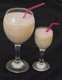 Smoothies mit Milch-, Bananen- und Haferflocken Stockfoto