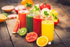 Smoothies sanos de la fruta y verdura Fotografía de archivo libre de regalías