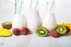 Smoothies with tropical fruits Royalty Free Stock Images
