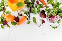 Smoothies végétaux colorés Images libres de droits