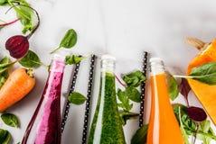 Smoothies végétaux colorés Photo libre de droits