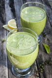 Smoothies verts photo stock