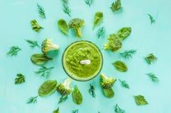 Smoothiesbroccoli, spenat, grönsak bantar, detoxificationbegreppet Royaltyfria Bilder