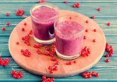 Smoothievinbär med den röda vinbäret Fotografering för Bildbyråer