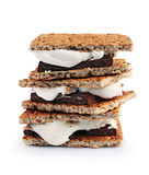 Smores caseiros frescos com marshmallows, chocolate e biscoitos de Graham Foto de Stock Royalty Free