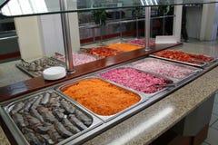 Smorgasbord-Salatbar lizenzfreie stockfotografie