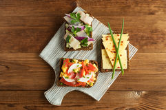 Smorrebrod - panino aperto del Danese con il pesce, aringa, formaggio immagine stock libera da diritti