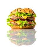 Smörgåshamburgare på vit bakgrund Fotografering för Bildbyråer