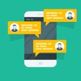 Sms发短信-有闲谈的智能手机 图库摄影