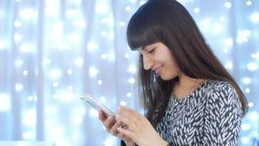 SMS de la escritura de la mujer almacen de video